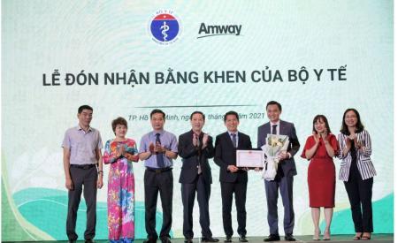 amway-viet-nam-tu-hao-lan-thu-2-don-nhan-bang-khen-cua-bo-y-te-1417.html