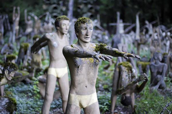 """Kỳ quái những bức tượng """"biết nói"""""""